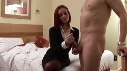 Mamma punisce il figlio facendogli una sega amaporn