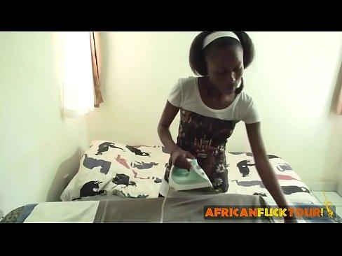 Ebony hotel maid giving blowjob to white guy justporno