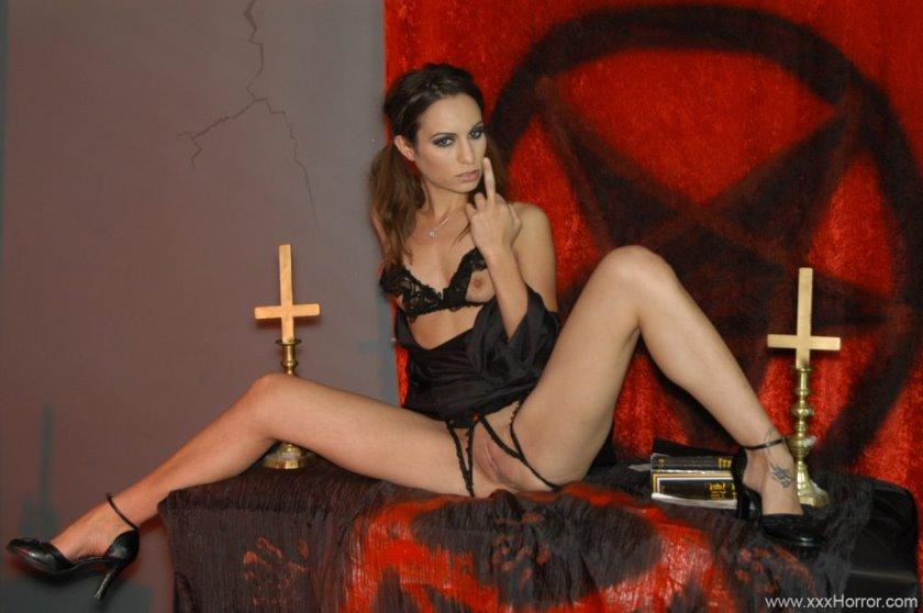 Heather graham full frontal nudity sex scenes boogie XXX