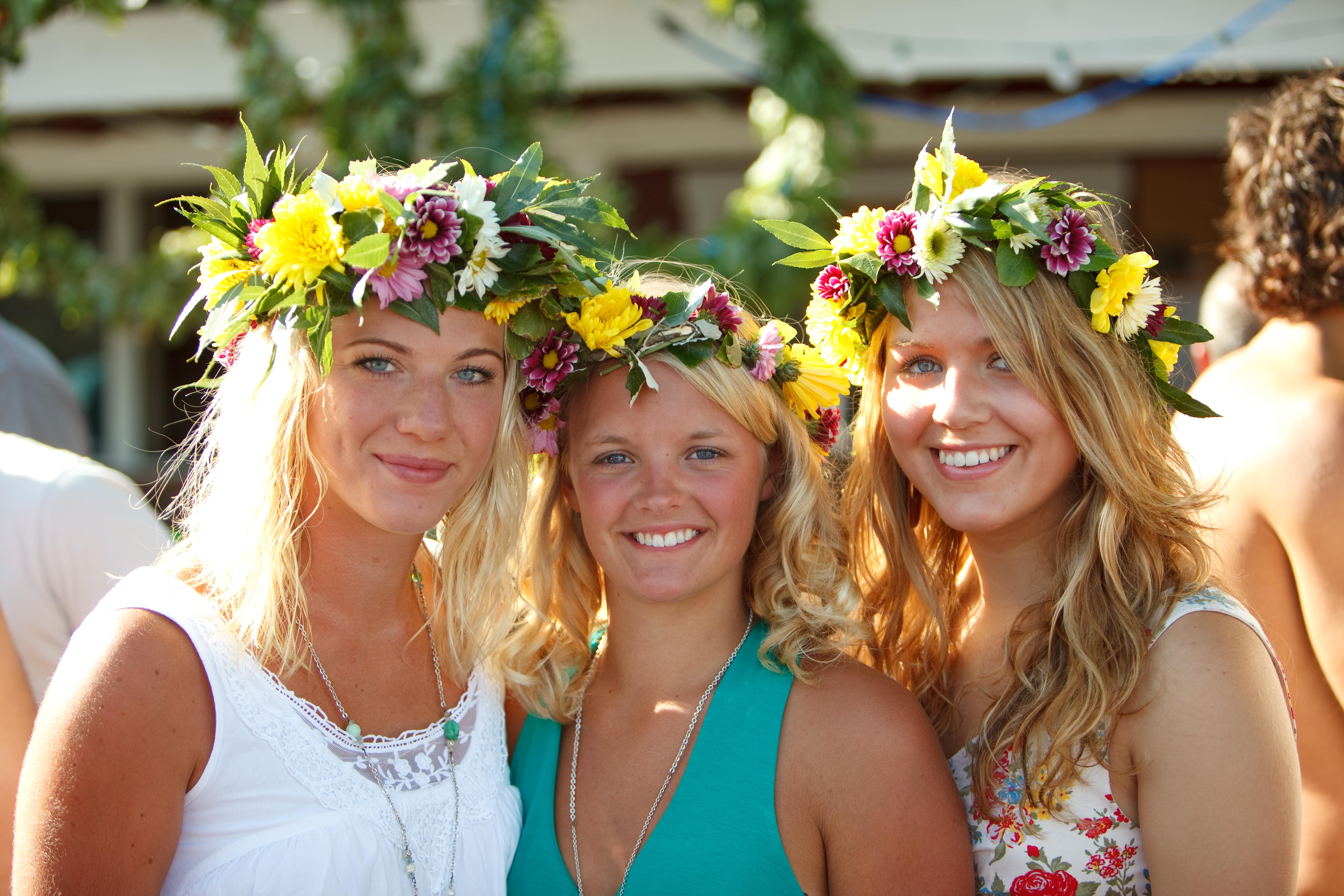 Sweden women giving head
