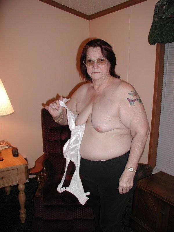 Ana big tits round ass