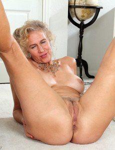80 Year Old Mom Porn