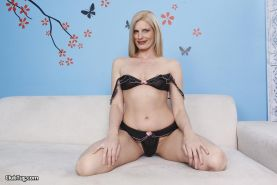 Showing images for stepmom daryl hanah xxx