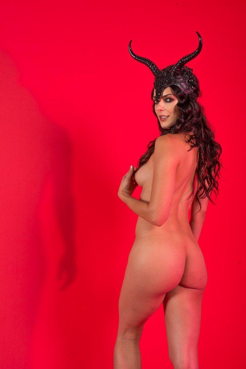 Natasha curry nude
