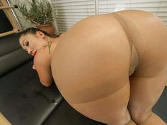 London keyes bootyoftheday booty of the day pics