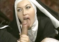 Uniform domination nun