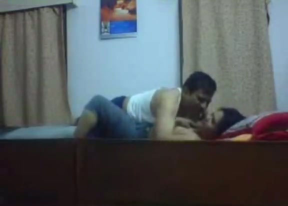 Desi couple having sex at their friends house after