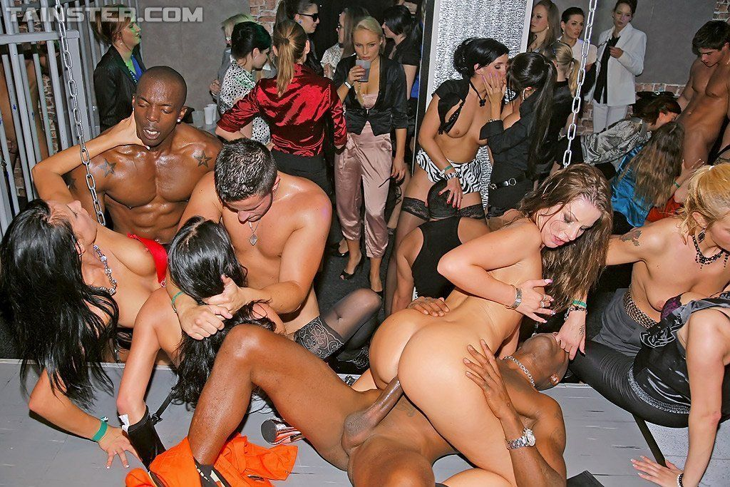 Olivia del rio suck like a brazilian pornpig free porn party