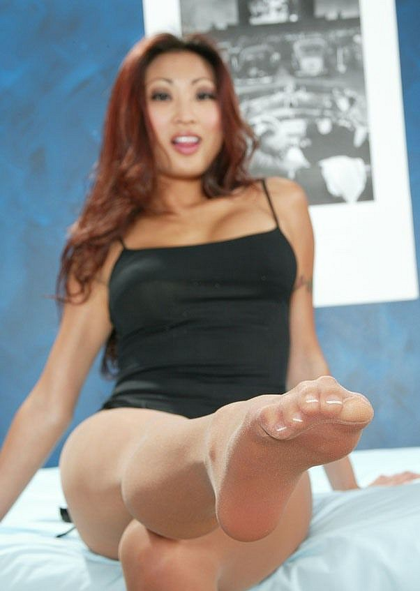 Nicole oring pantyhose