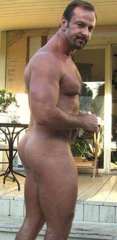 Hombres maduros peludos desnudos