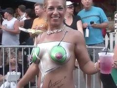 Mardi gras drunk gives blowjob free sex videos watch