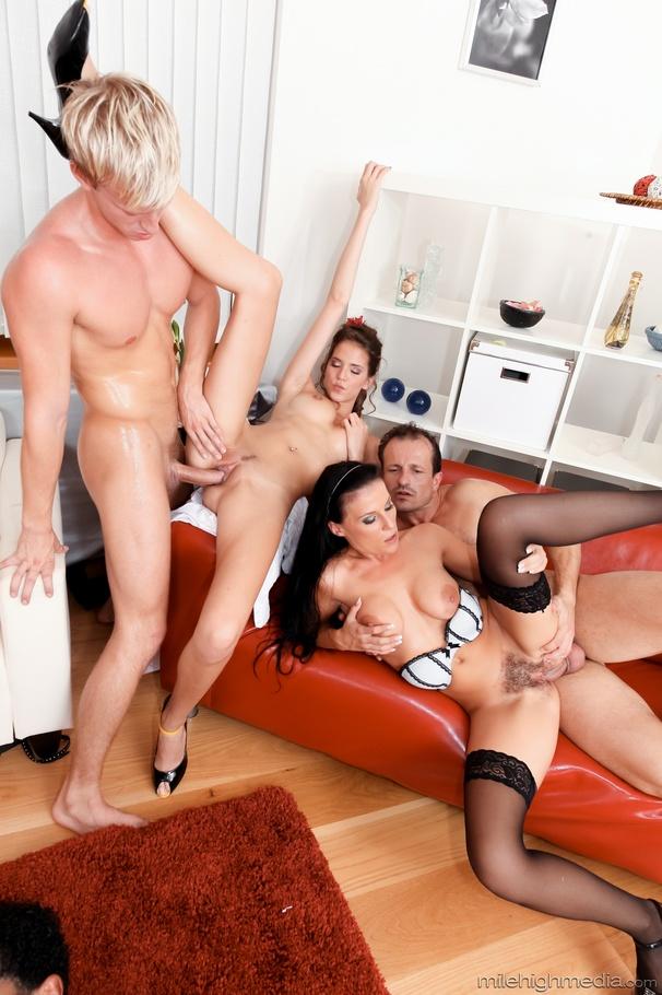 Husband ass fucks wife mom gets caught porn video XXX