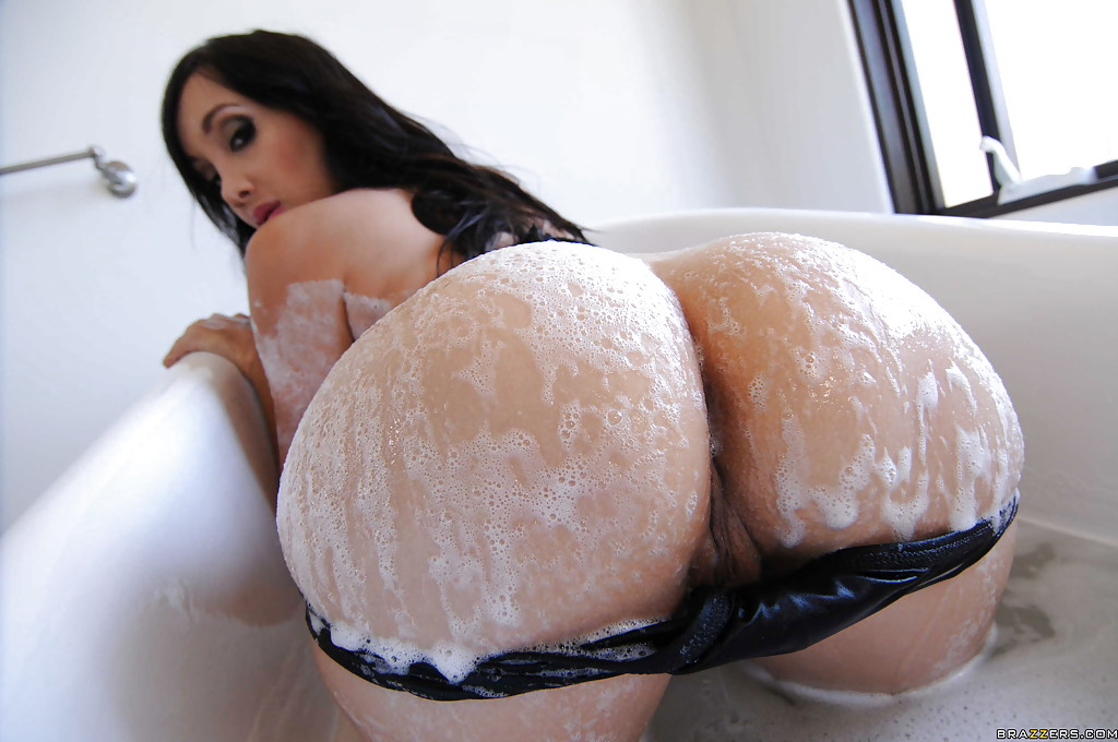 Wet tits and ass