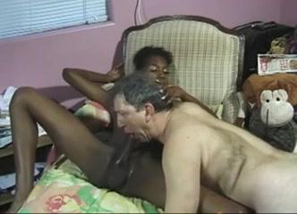 Une bite énorme porno transsexuelle