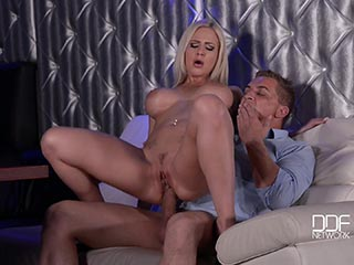 hot blonde tits bj